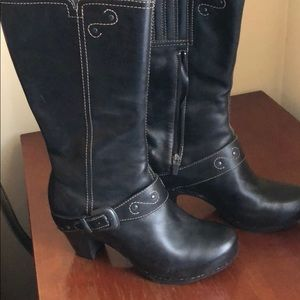 Black Dansko boots